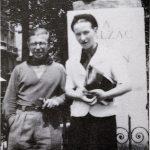657px-Sartre_and_de_Beauvoir_at_Balzac_Memorial