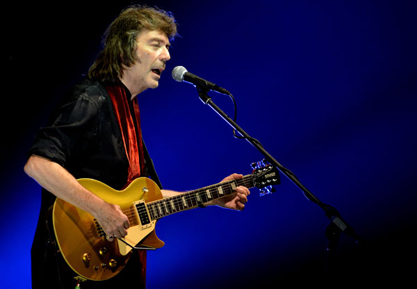 Nem 45 steve hackett visualize the music with 300 tracks steve released six studio albums with genesis between 1971 and 1977 and twenty five solo albums that feature his virtuosic guitar he invented tapping m4hsunfo